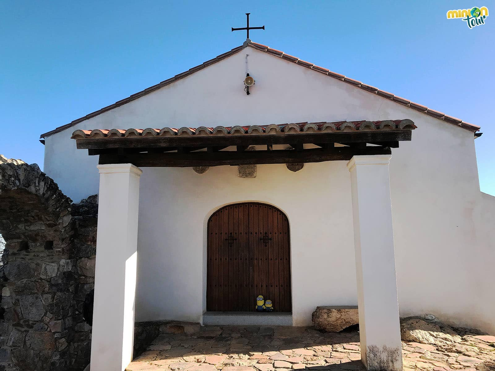 Entrada de la Ermita de Monfragüe