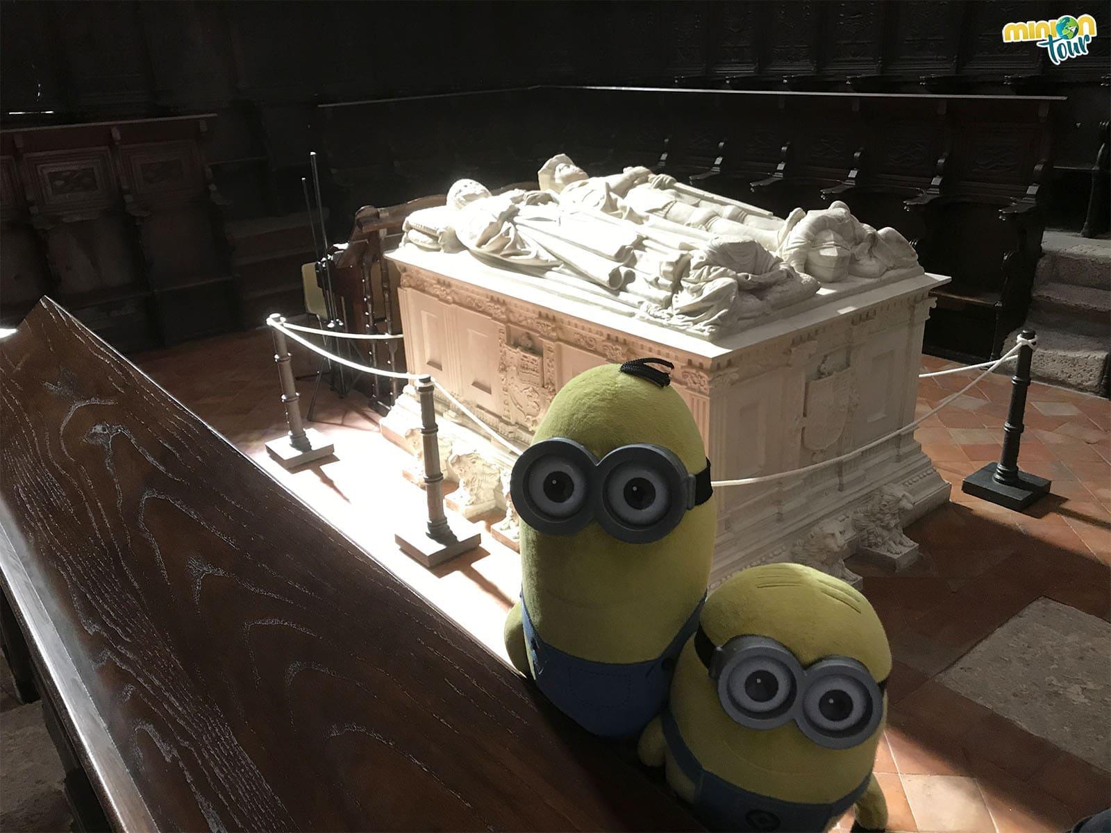 El túmulo de Teresa Enríquez y Gutierre de Cárdenas en Torrijos