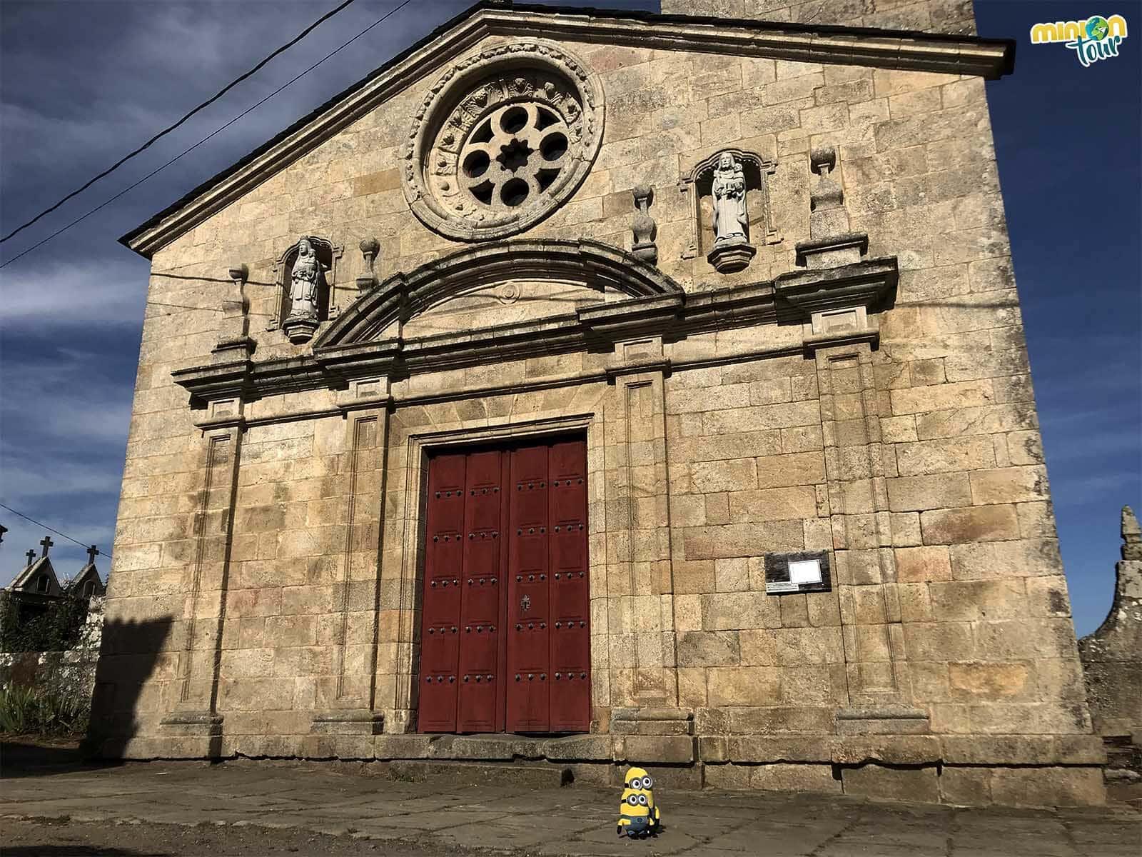 La fachada de esta iglesia no es románica
