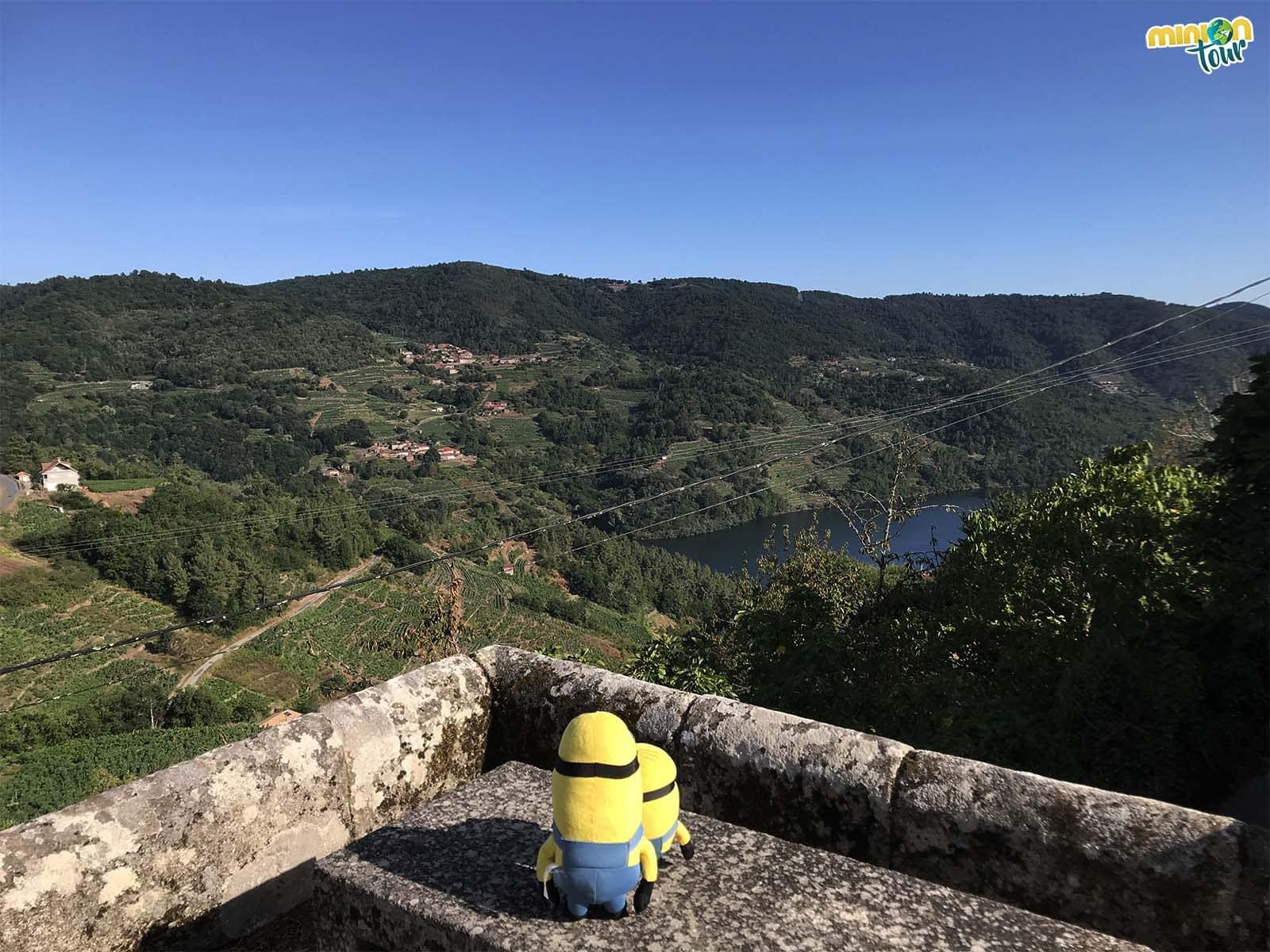 Vistas de la Ribeira Sacra desde la Iglesia de Santa María de Nogueira