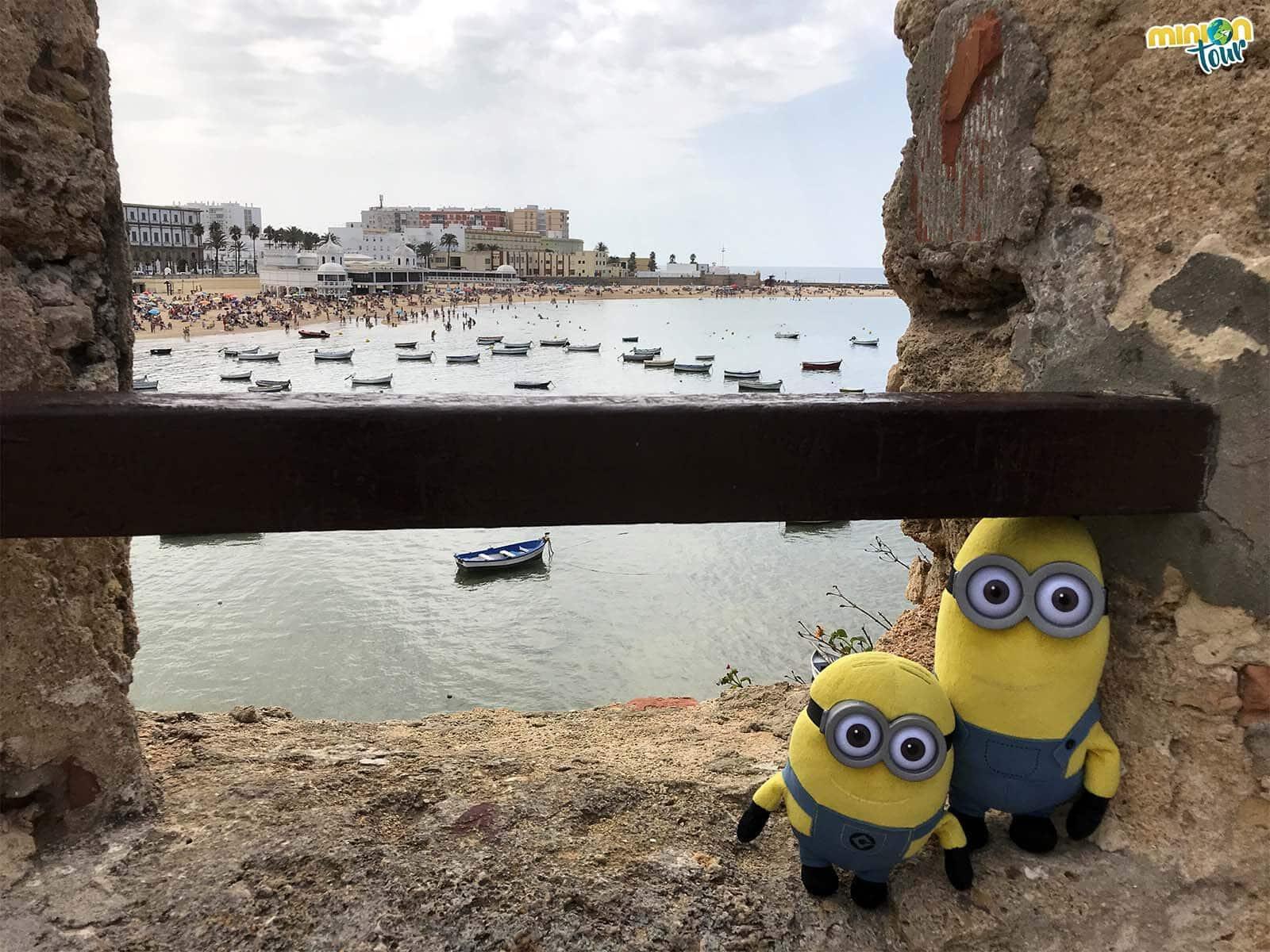 Vistas de la Playa de la Caleta desde el Castillo de Santa Catalina