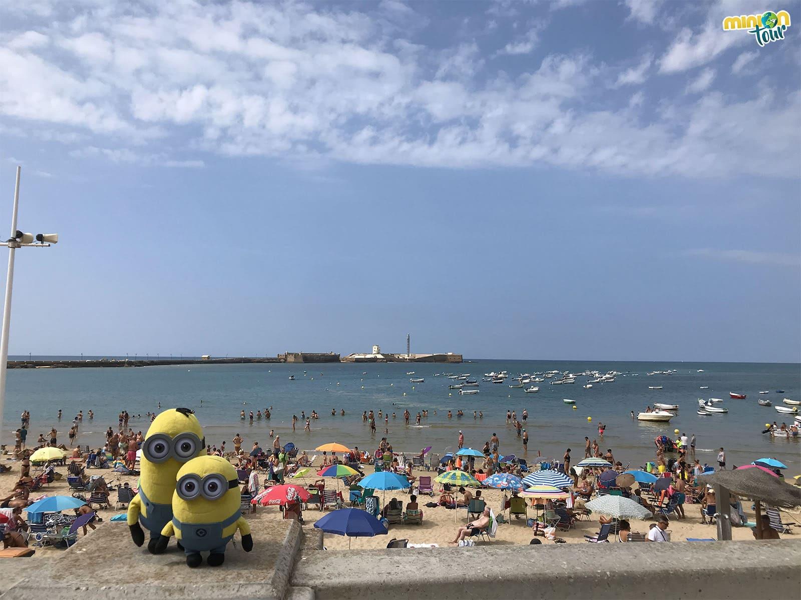 La Playa de la Caleta es una de las más famosas de Cádiz