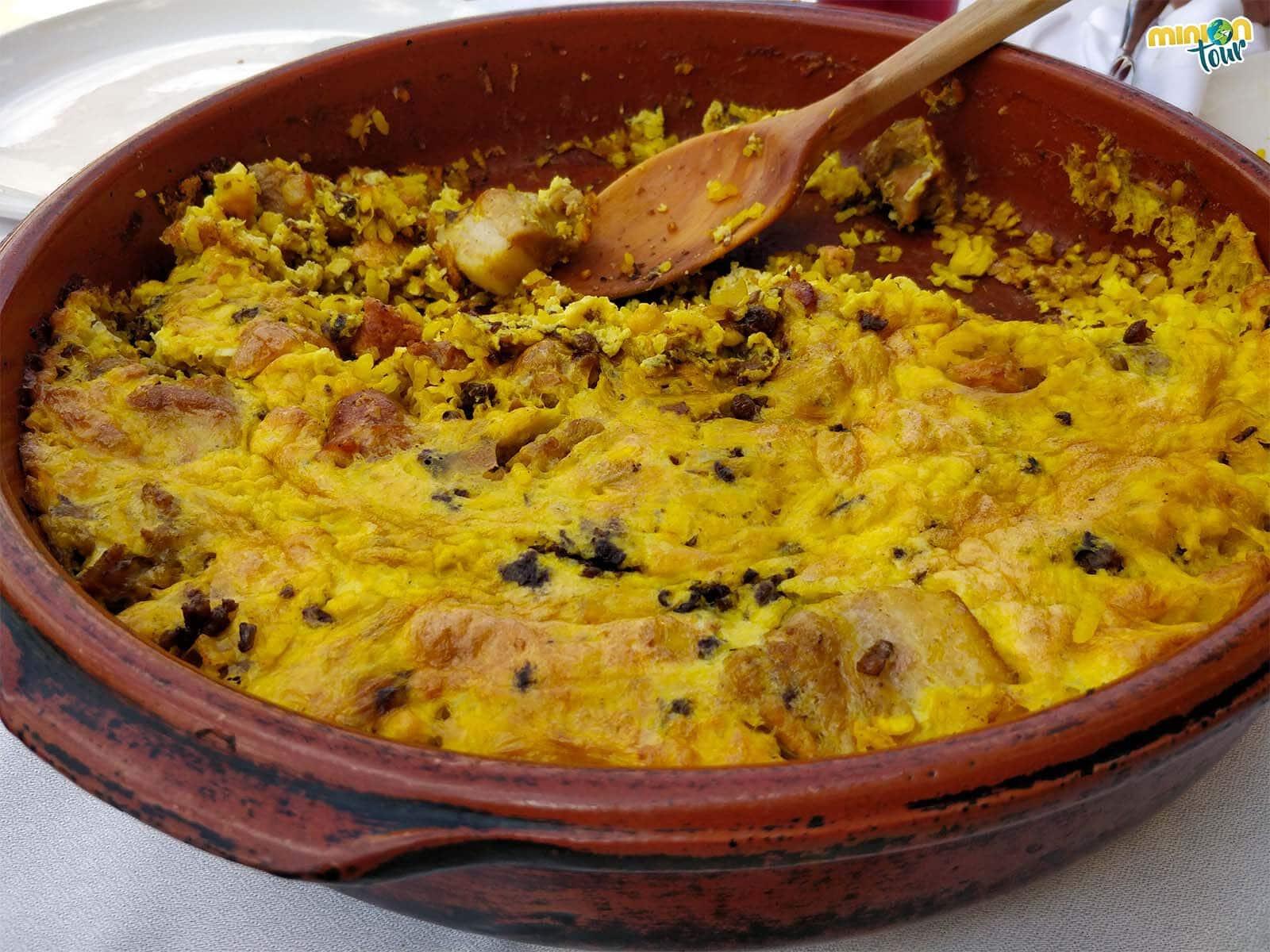 Poniéndonos las botas con el arroz con costra en el Mesón Ca Rafael