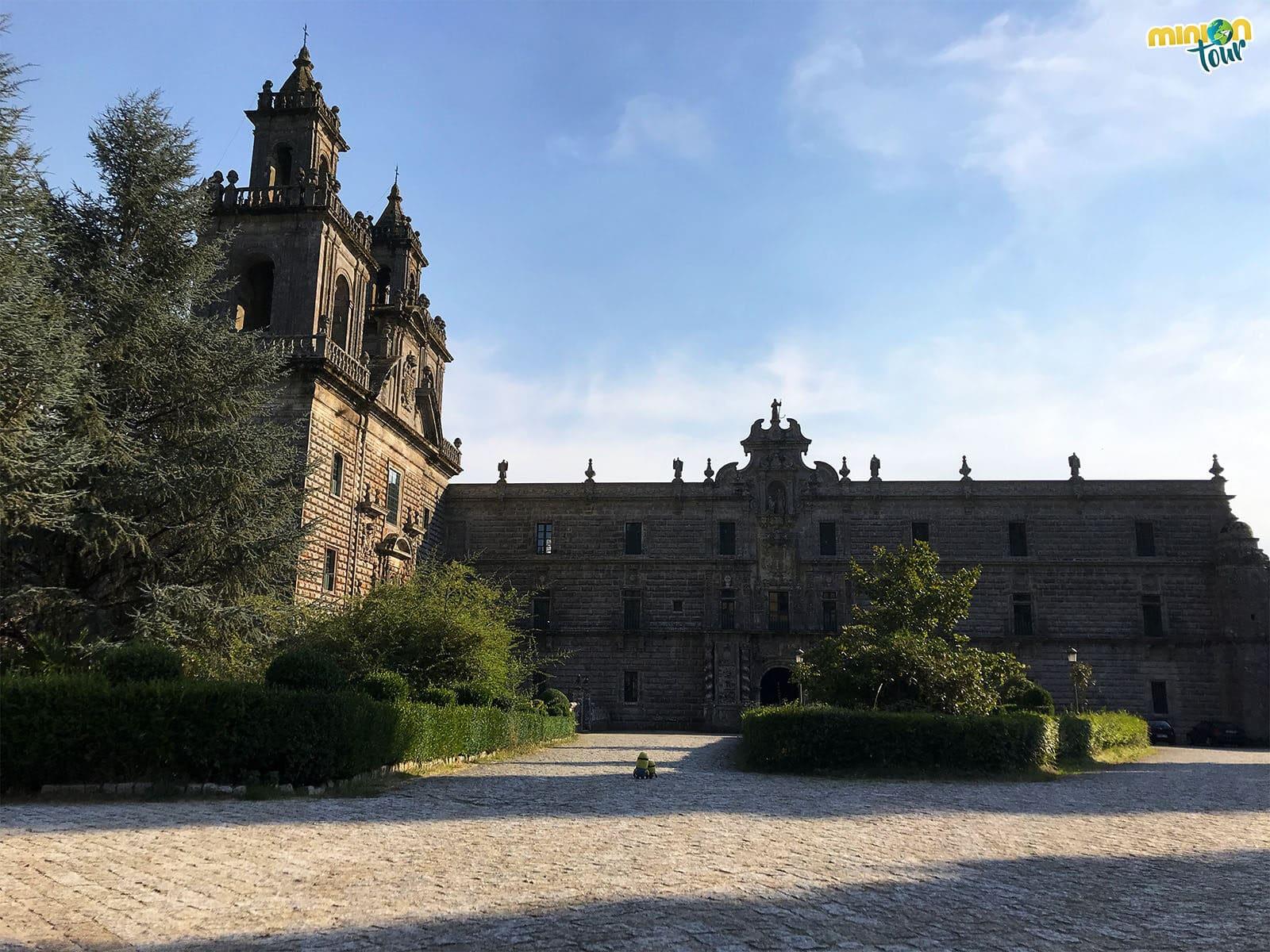 Paseando por la lonja del Monasterio de Oseira
