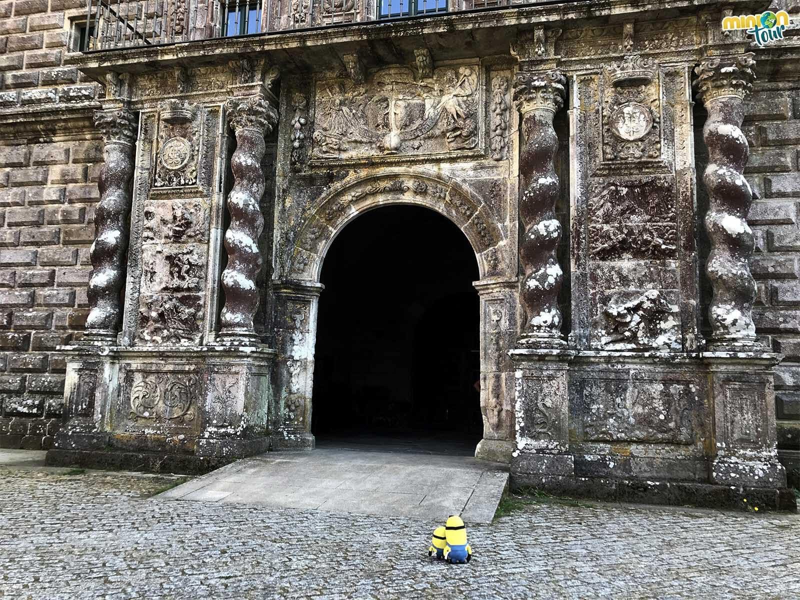 Los Minions de visita en el Monasterio de Oseira