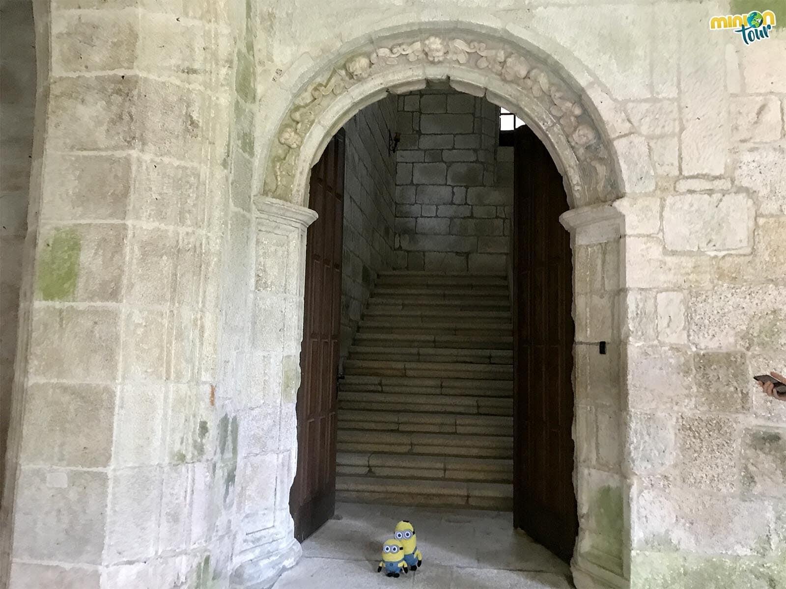 Vamos a ver la Escalera de los Obispos