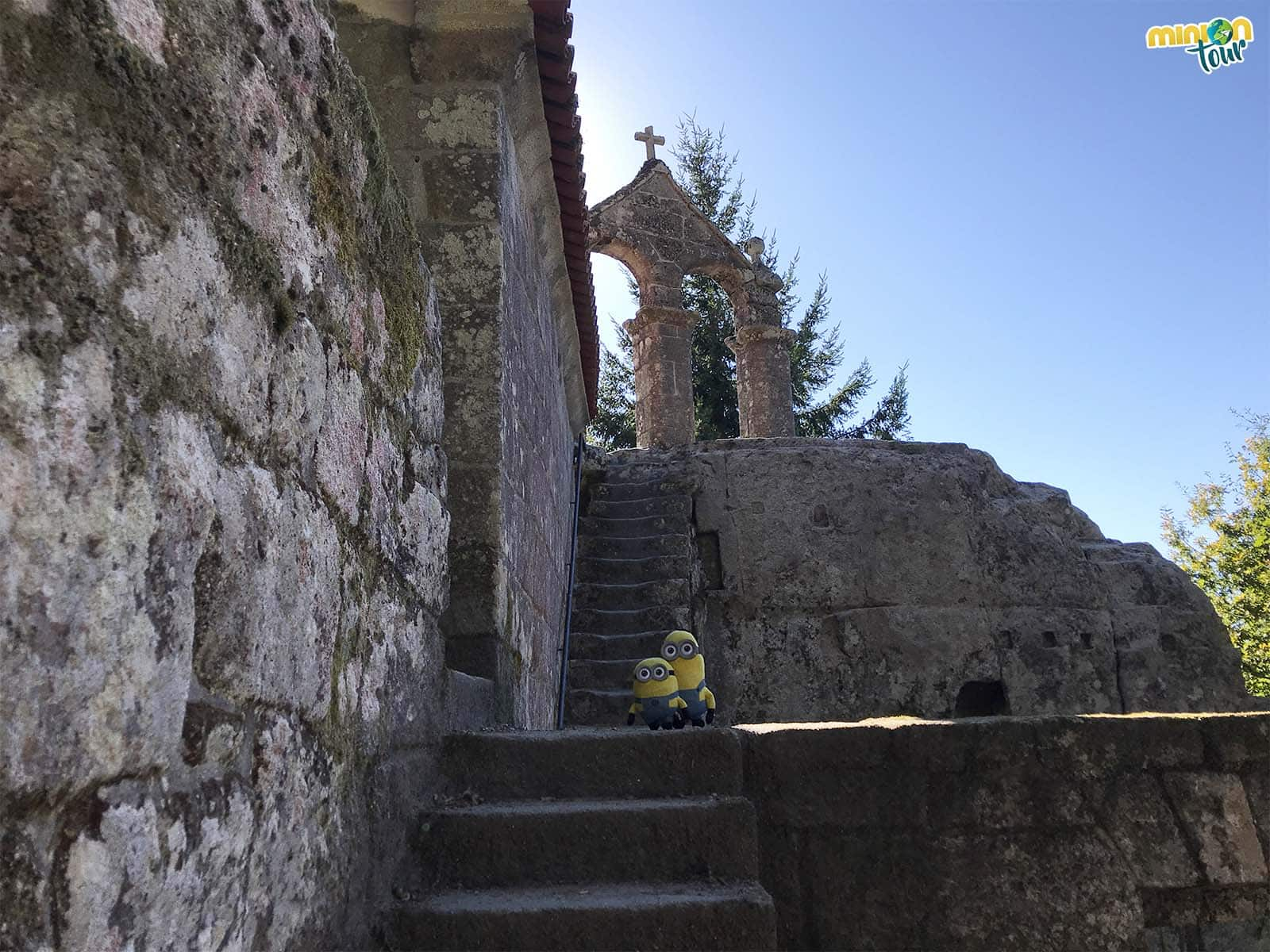 Descubre el Monasterio de San Pedro de Rocas y el Camino Real
