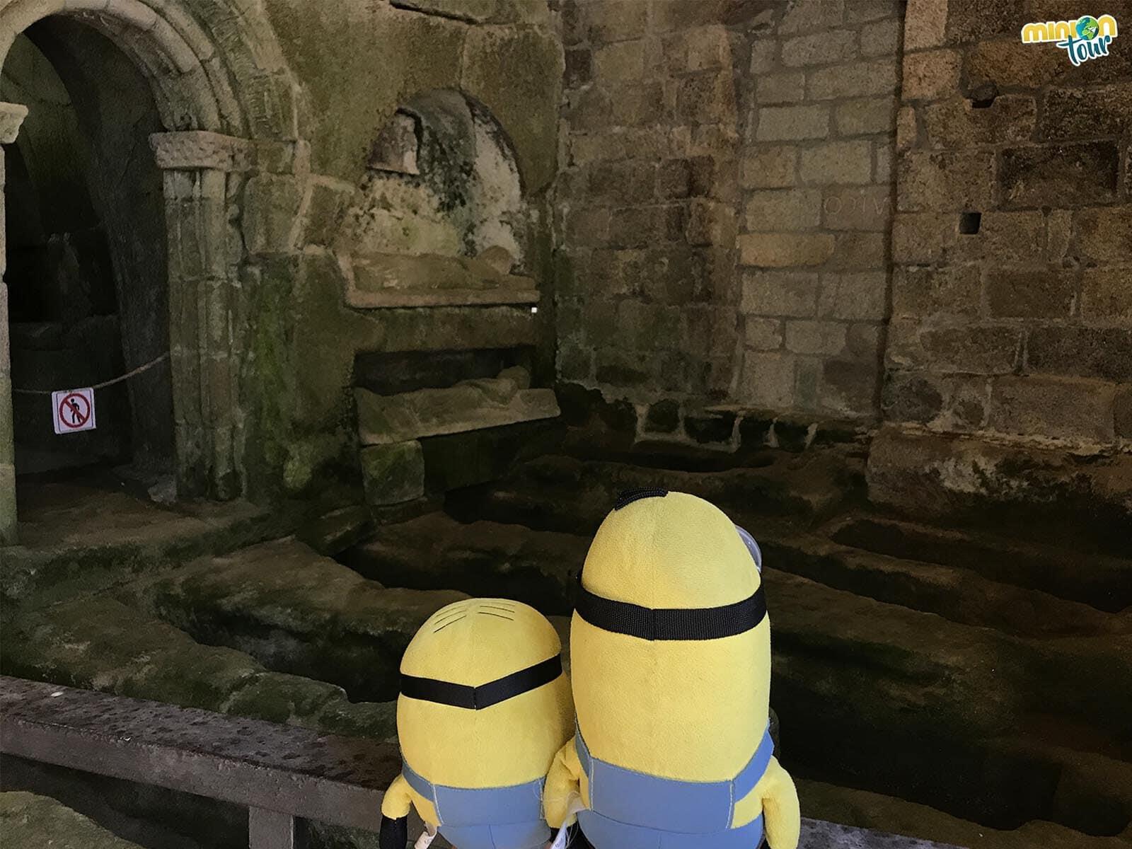 Estamos alucinando con las tumbas antropoformas de San Pedro de Rocas