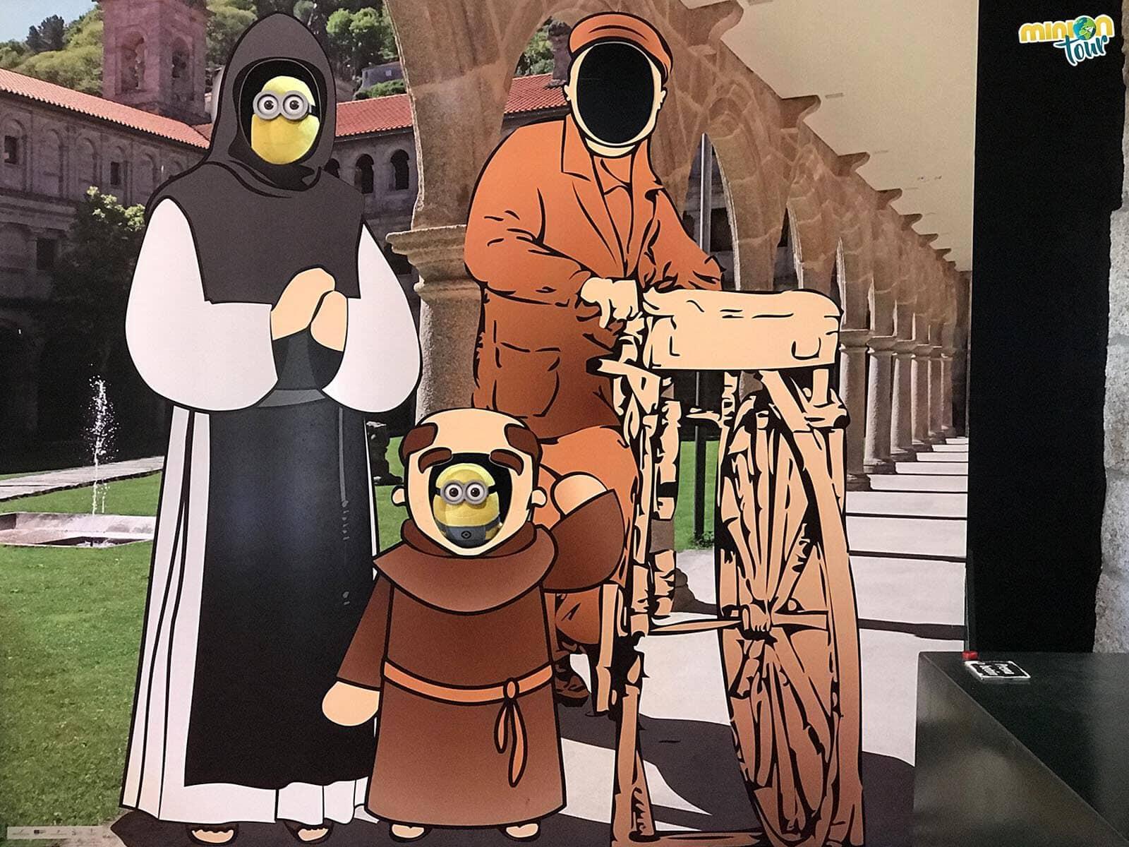 Nos hemos convertido en dos monjes del monasterio
