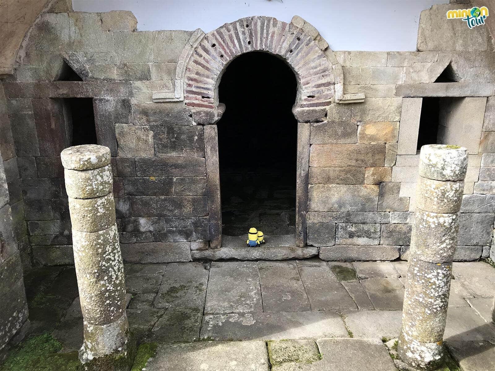 Alucinando con el arco de herradura de Santa Eulalia de Bóveda