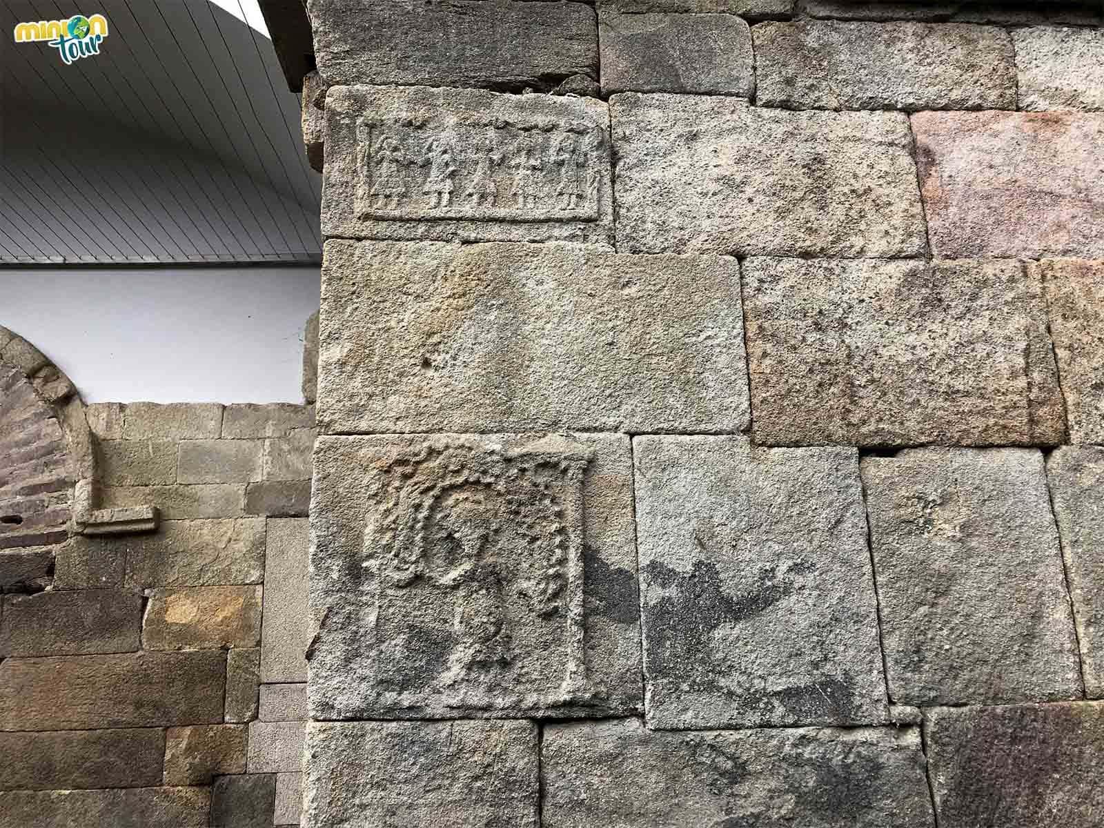 Figuras danzantes en Santa Eulalia de Bóveda