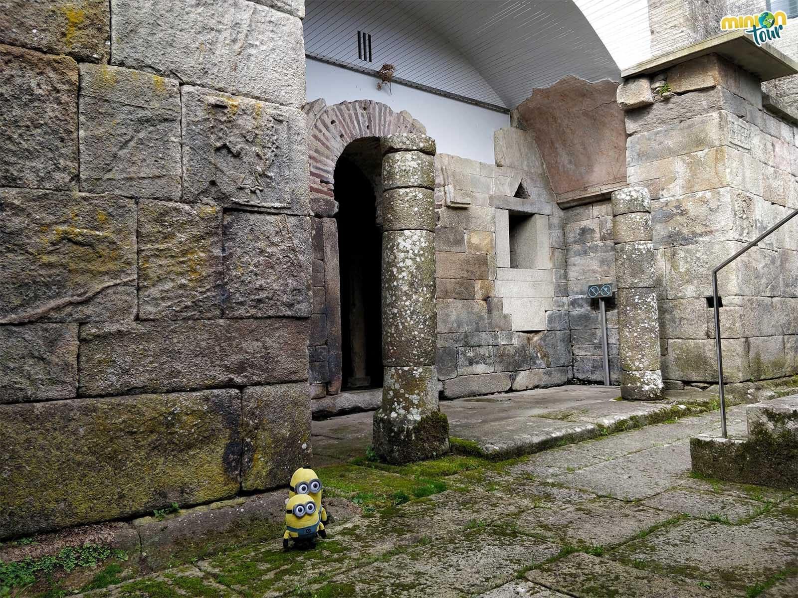 Intentado entender qué quieren decirnos los grabados de Santa Eulalia de Bóveda