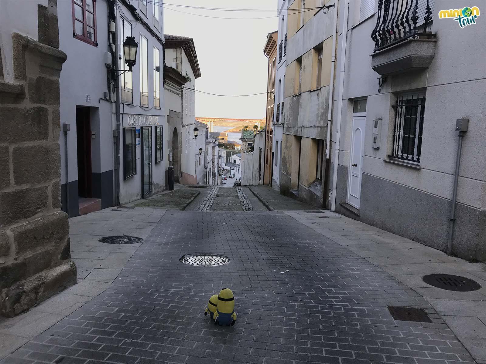 Minions paseando por las calles de Ribadeo