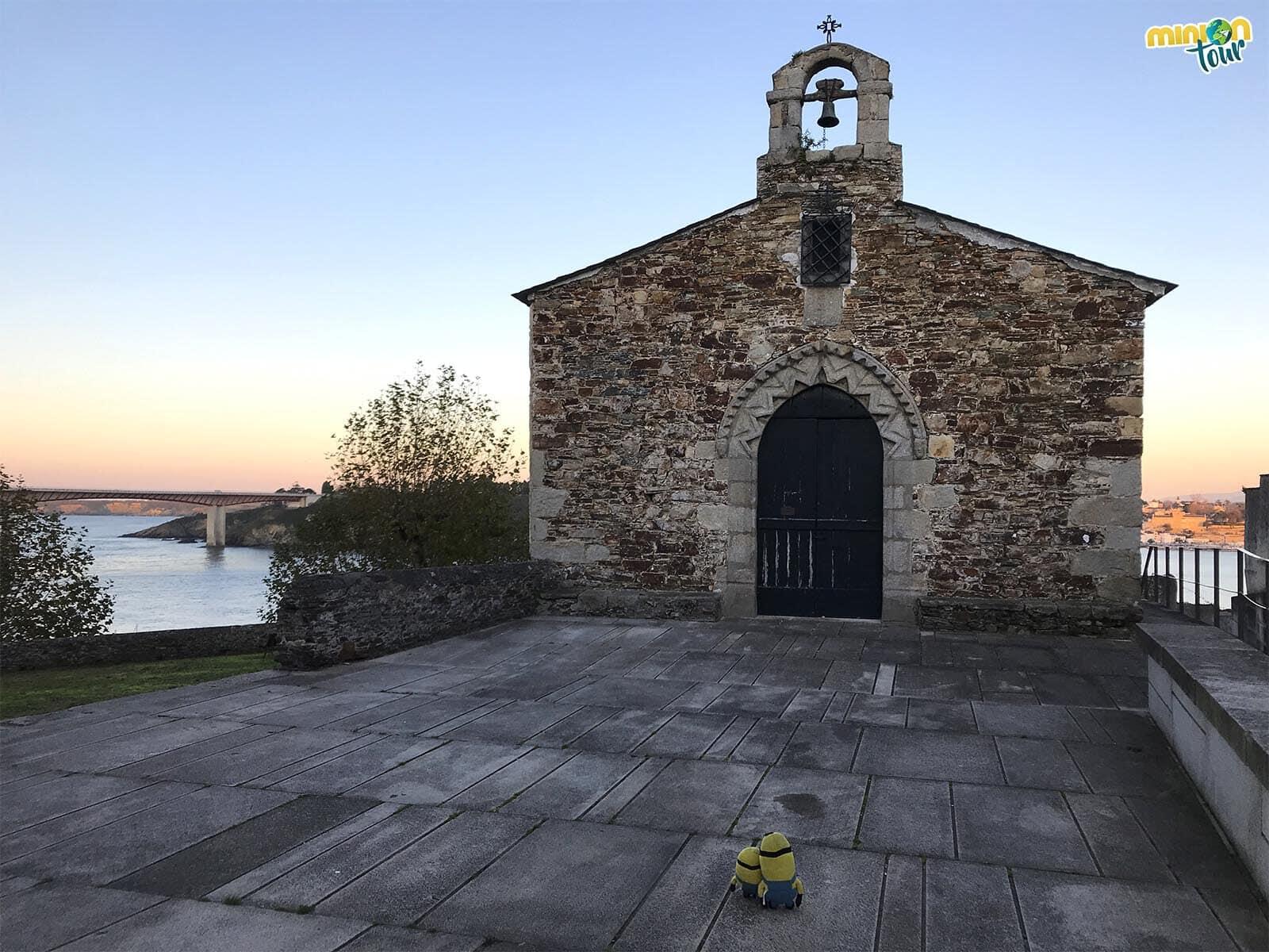 La Capilla de la Atalaya es otro de los sitios que tienes que ver en Ribadeo