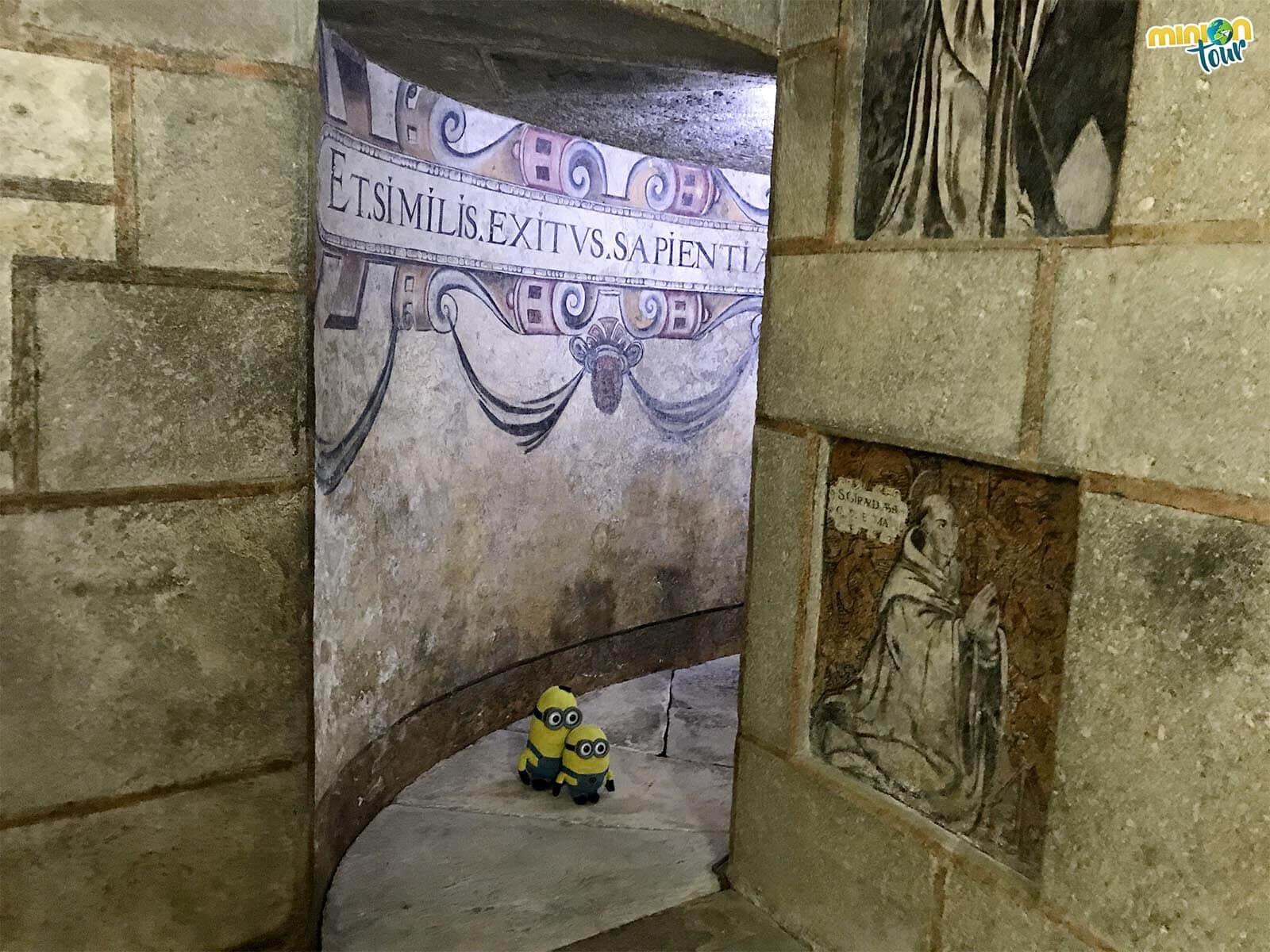 Estas pinturas murales son una de las cosas que ver en Meira