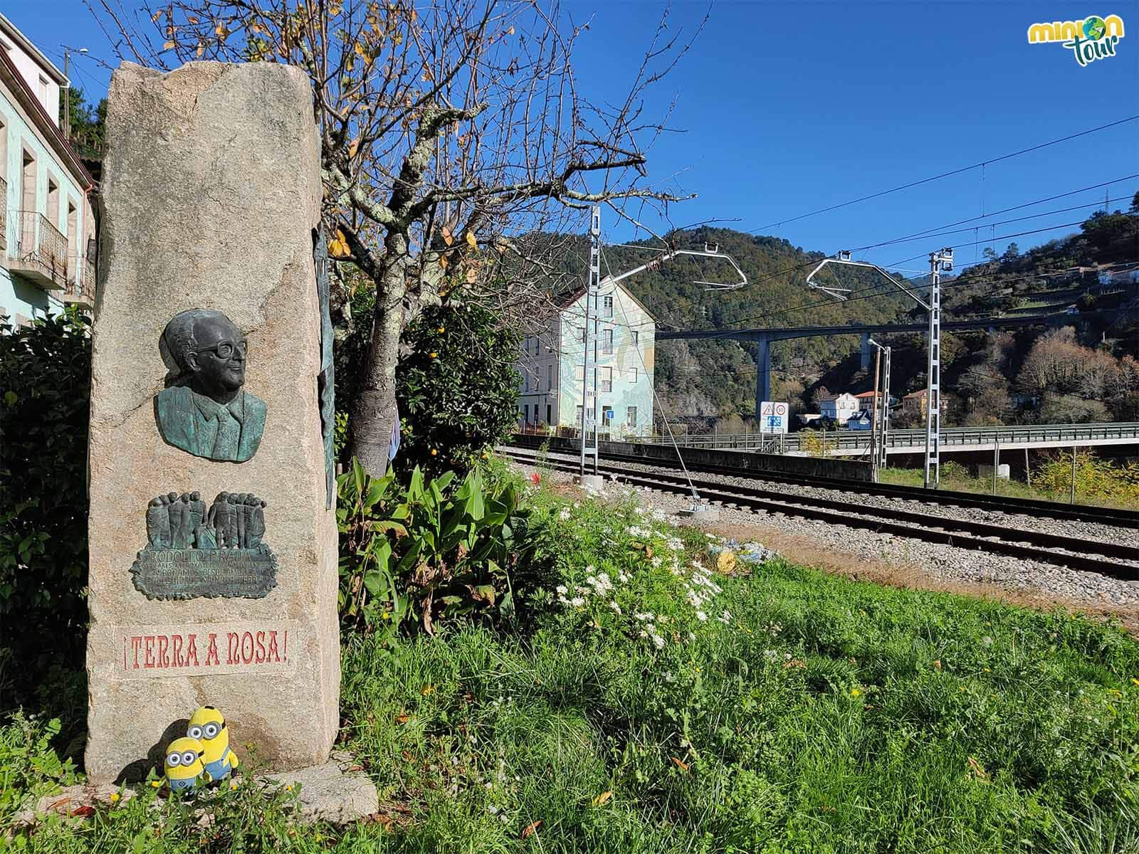 Saludando a Rodolfo Prada antes de irnos del barrio de la Estación
