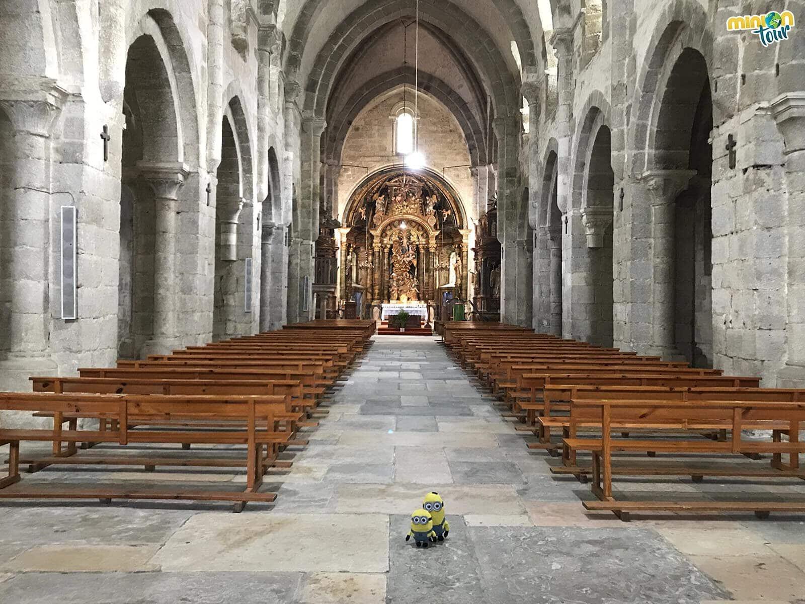 Entramos en la Iglesia de Santa María de Meira
