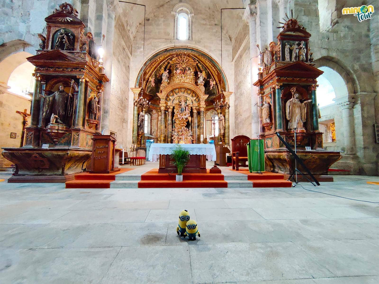 Interior de la iglesia del Monasterio de Santa María de Meira