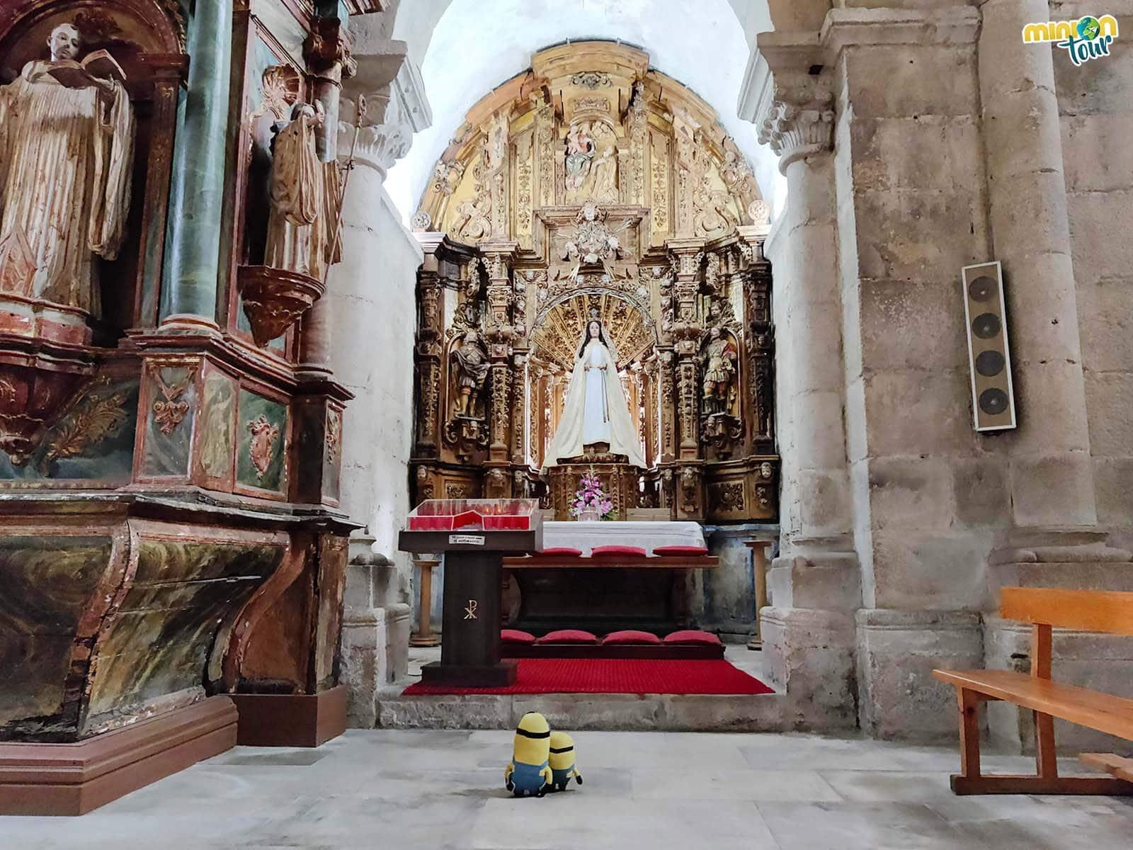 Saludando a la Virgen de Santa María de Meira