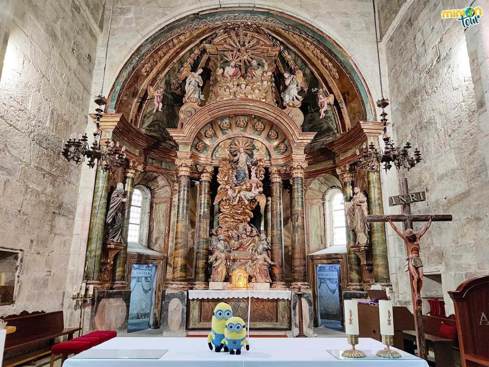 Retablo del altar mayor de la iglesia del Monasterio de Santa María de Meira