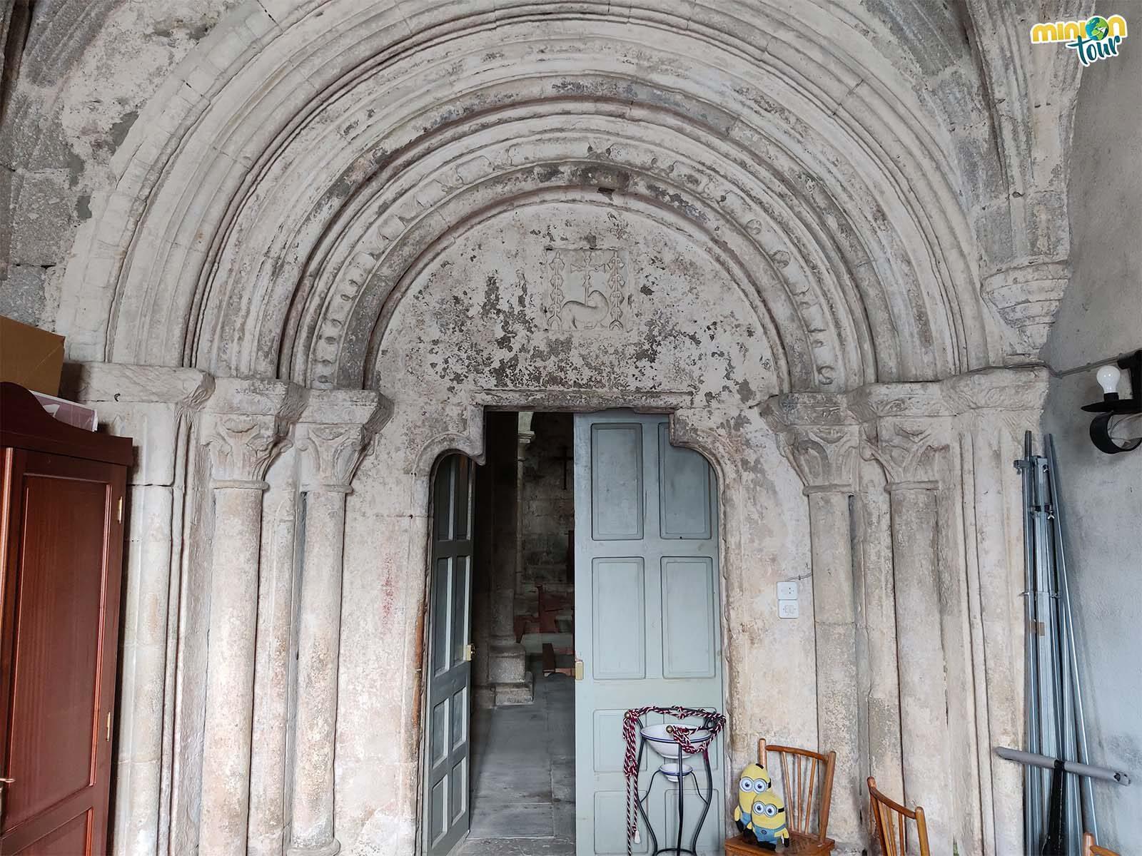 Resto del claustro procesional del claustro de Santa María de Meira