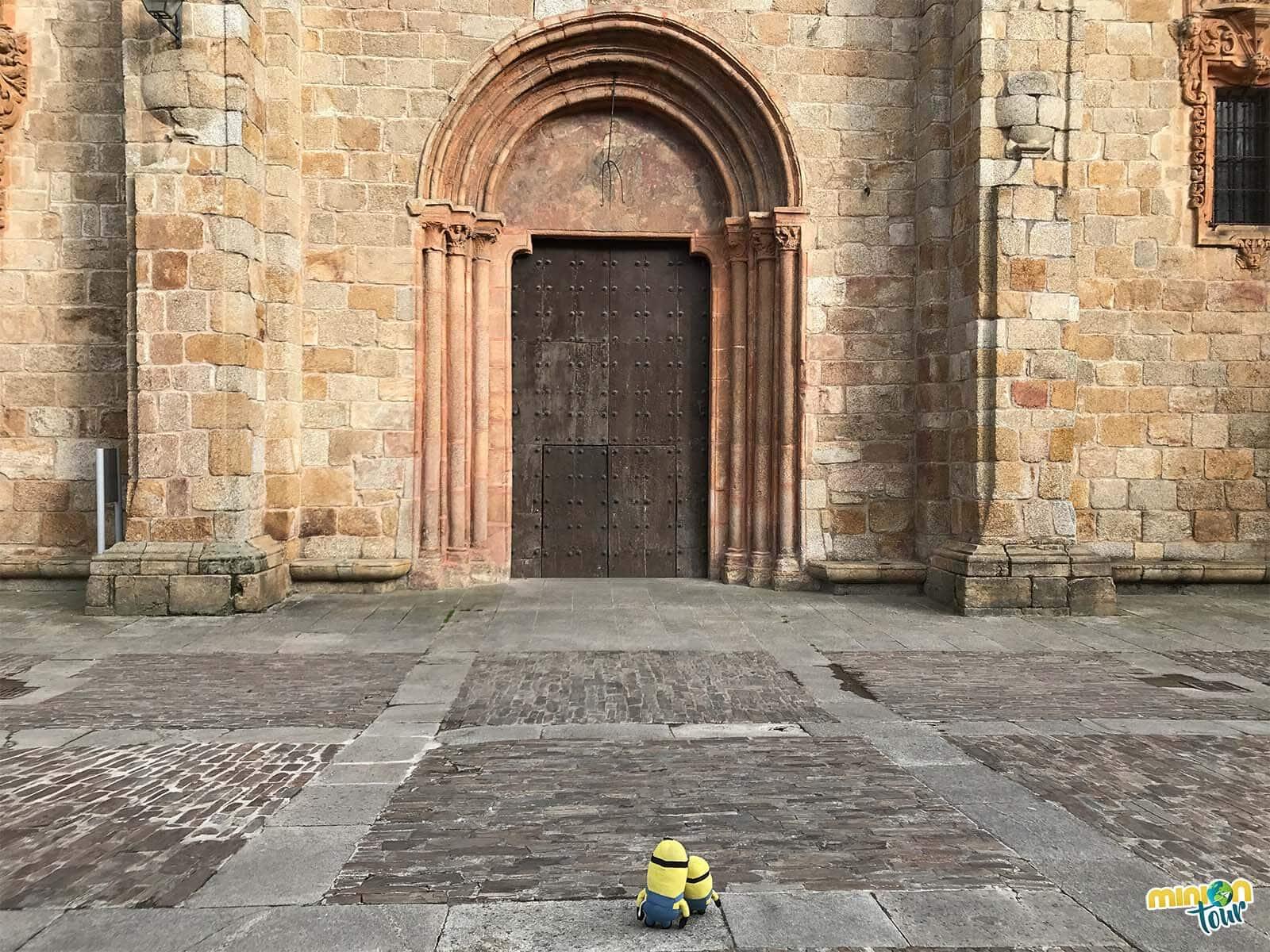La portada de la Catedral de Mondoñedo es románica