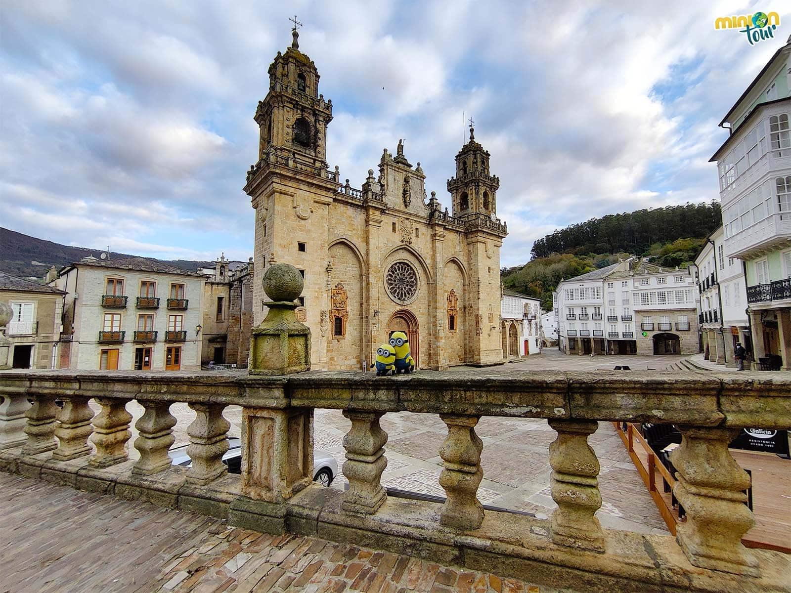 Una visita a la Catedral de Mondoñedo, la catedral arrodillada