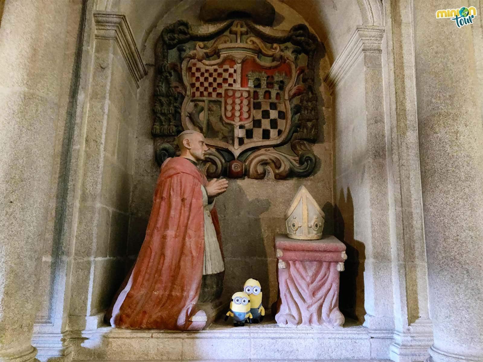 El sepulcro del obispo Sarmiento en el Santuario de la Virgen de los Remedios de Mondoñedo