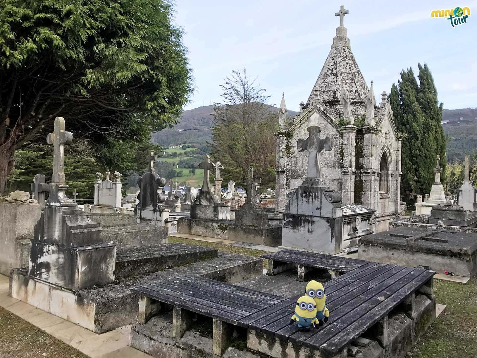 El cementerio viejo de Mondoñedo tiene verdaderas obras de arte