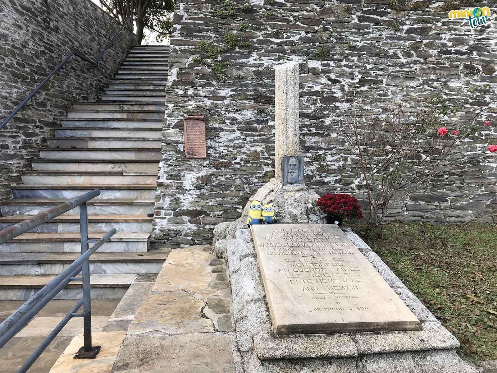 Manuel Leiras Pulpeiro está enterrado en la zona de los ateos del cementerio