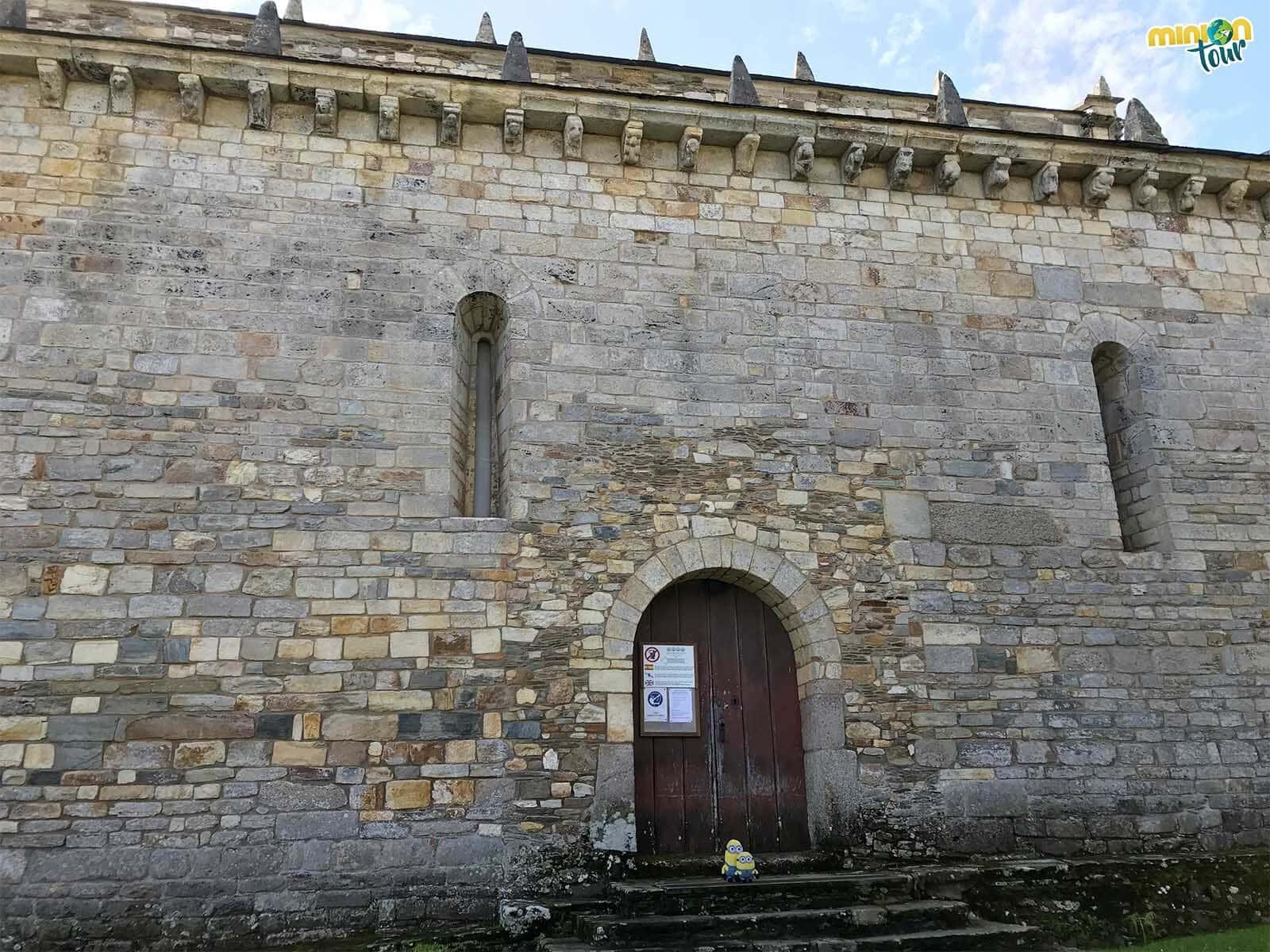 Los exteriores de la Basílica de San Martiño de Mondoñedo en la Mariña Lucense