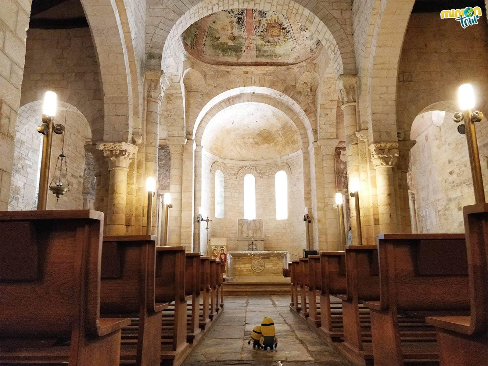 El interior de la Basílica de San Martín de Mondoñedo es una pasada