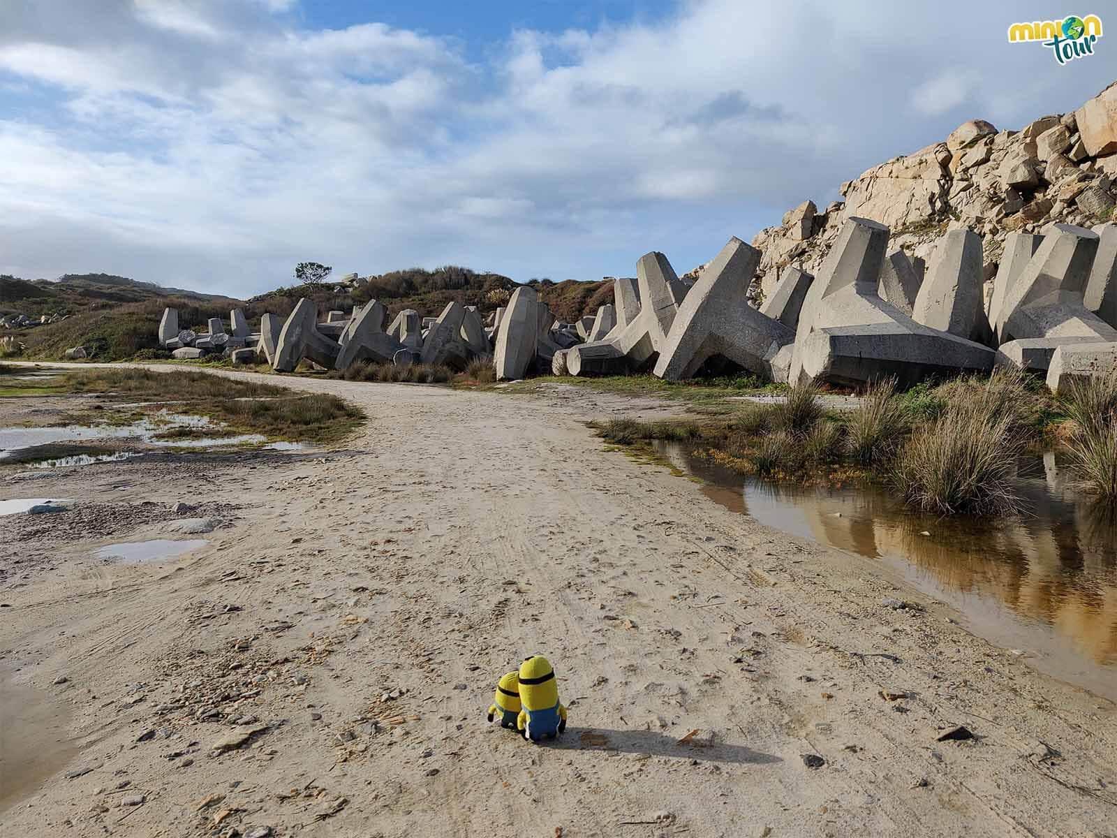 Estas piedras enormes de la costa de Xove se llaman dolos