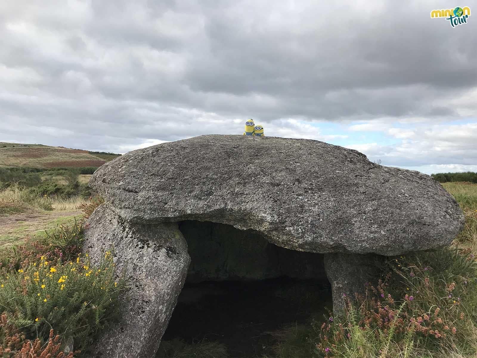 Vamos a ver el dolmen desde todos los lados