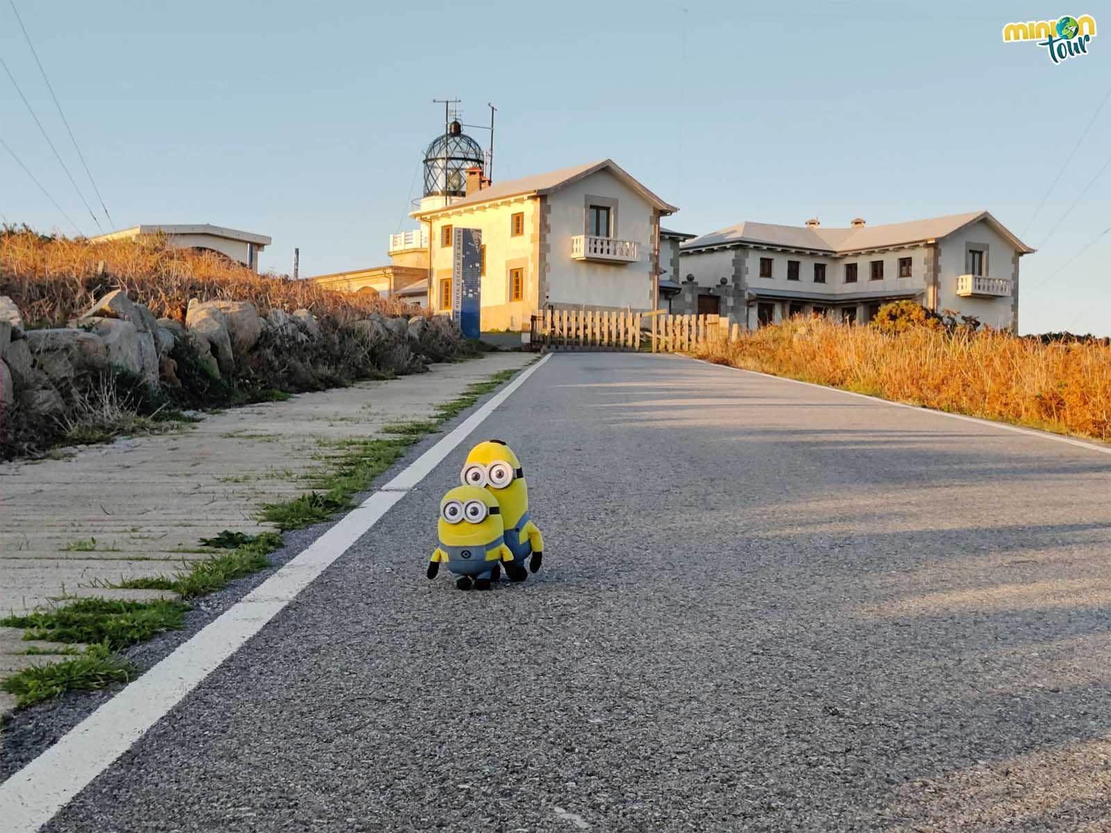 Los Minions de visita al Faro de Estaca de Bares