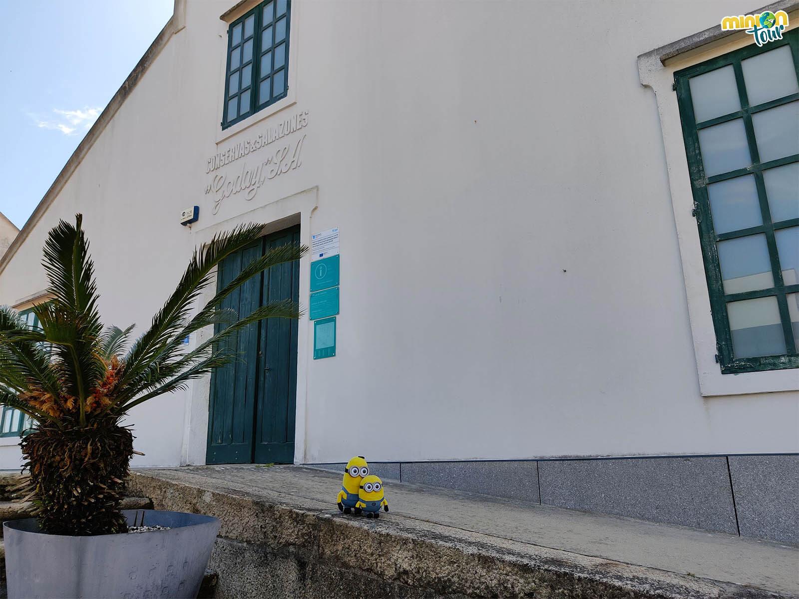 La Oficina de Turismo está en Conservas Goday y es una de las cosas que ver en A Illa de Arousa