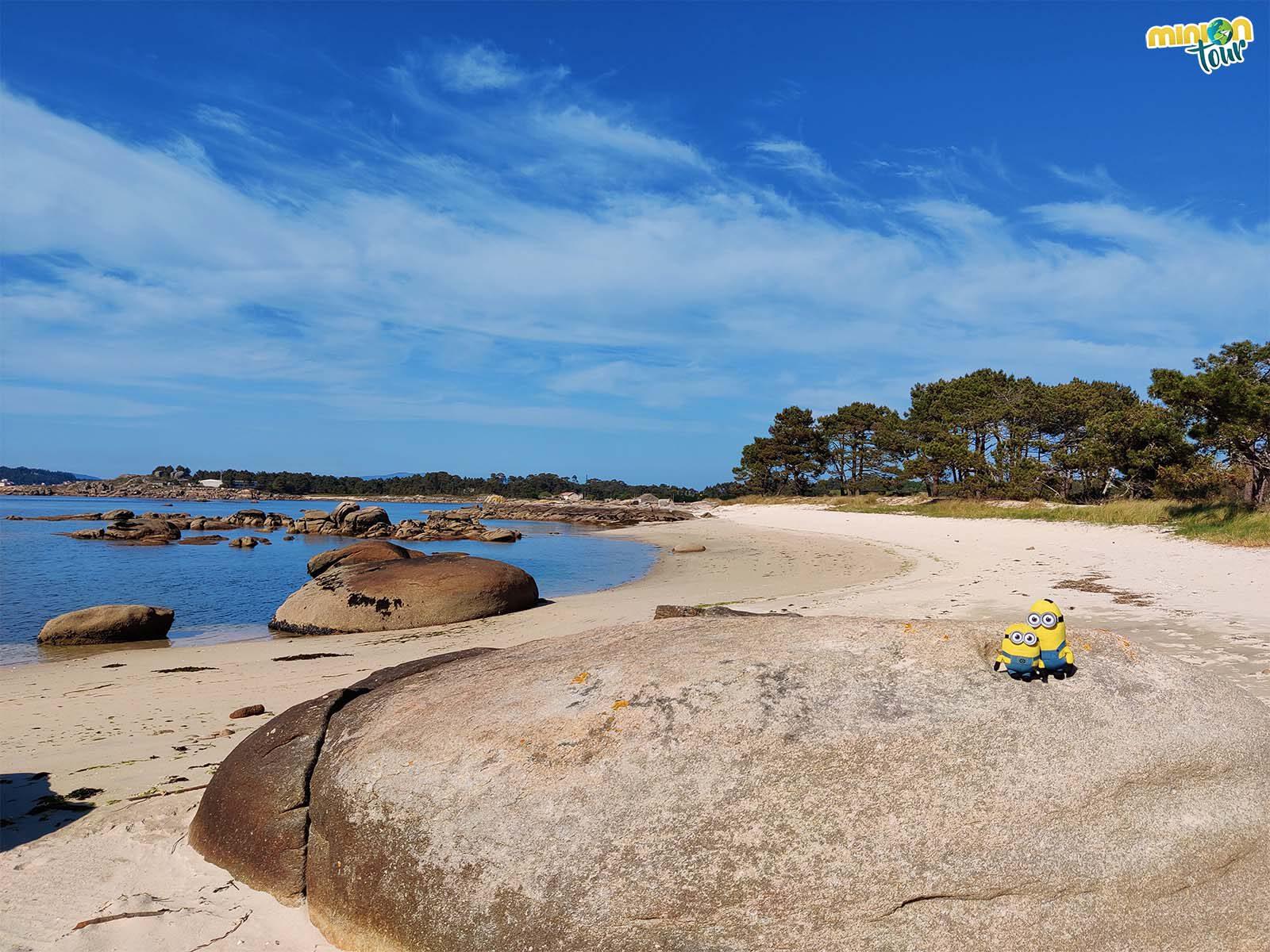 Una de las cosas que tienes que ver en la Isla de Arousa son las playas de O Carreirón
