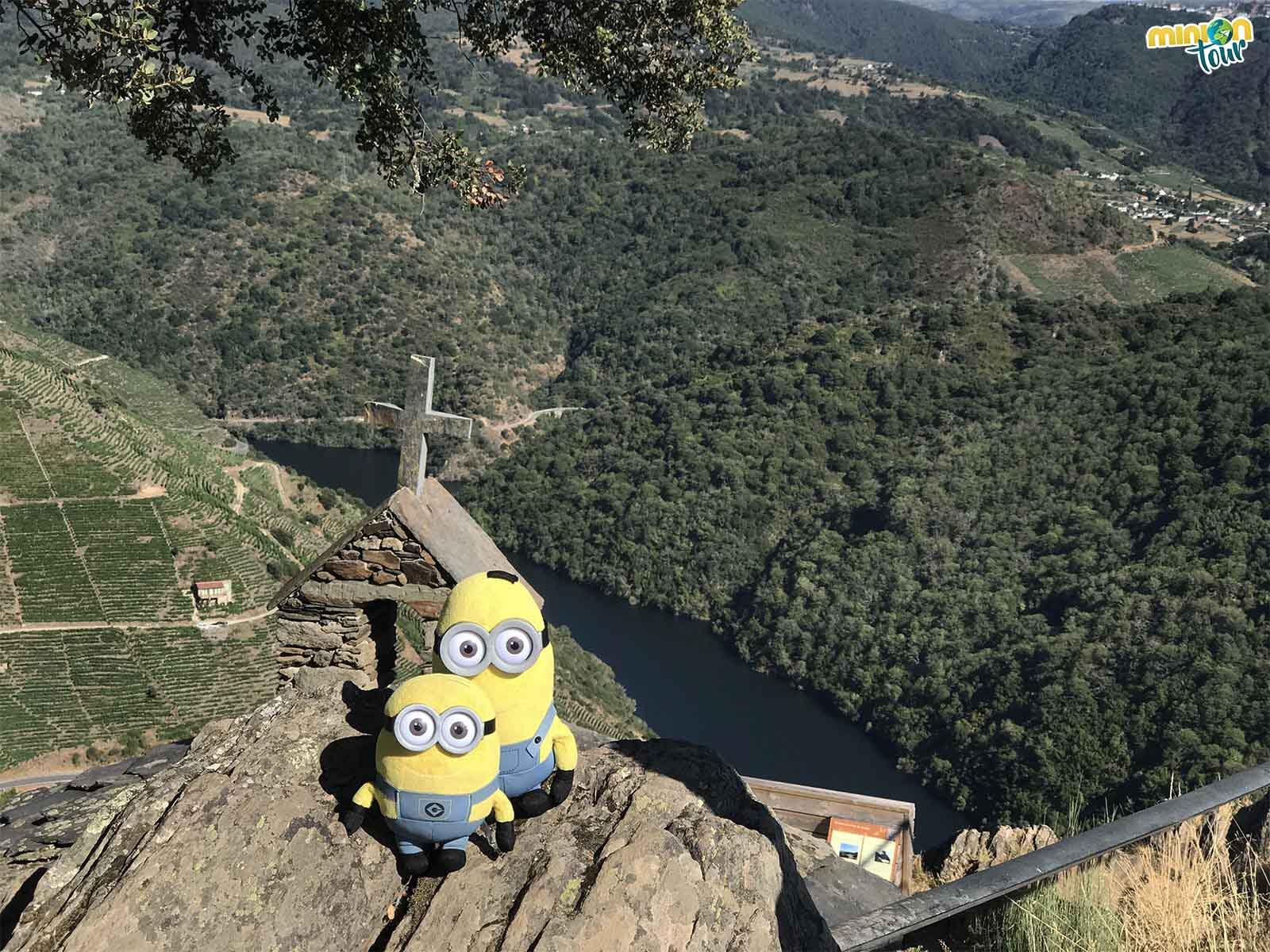 El Mirador de Pena do Castelo es otro de los mejores miradores de la Ribeira Sacra que tienes que ver