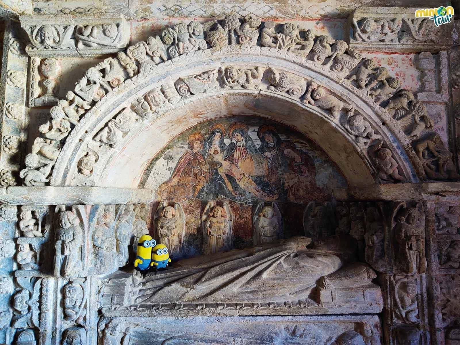 El sepulcro de Lope de Ventosa de la catedral del arte rural gallego es una pasada