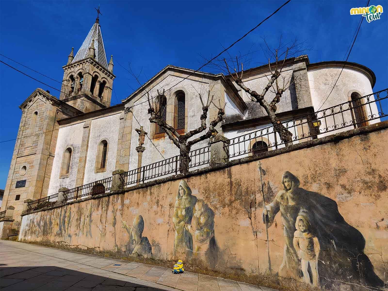 Esta iglesia tiene unos murales muy curiosos