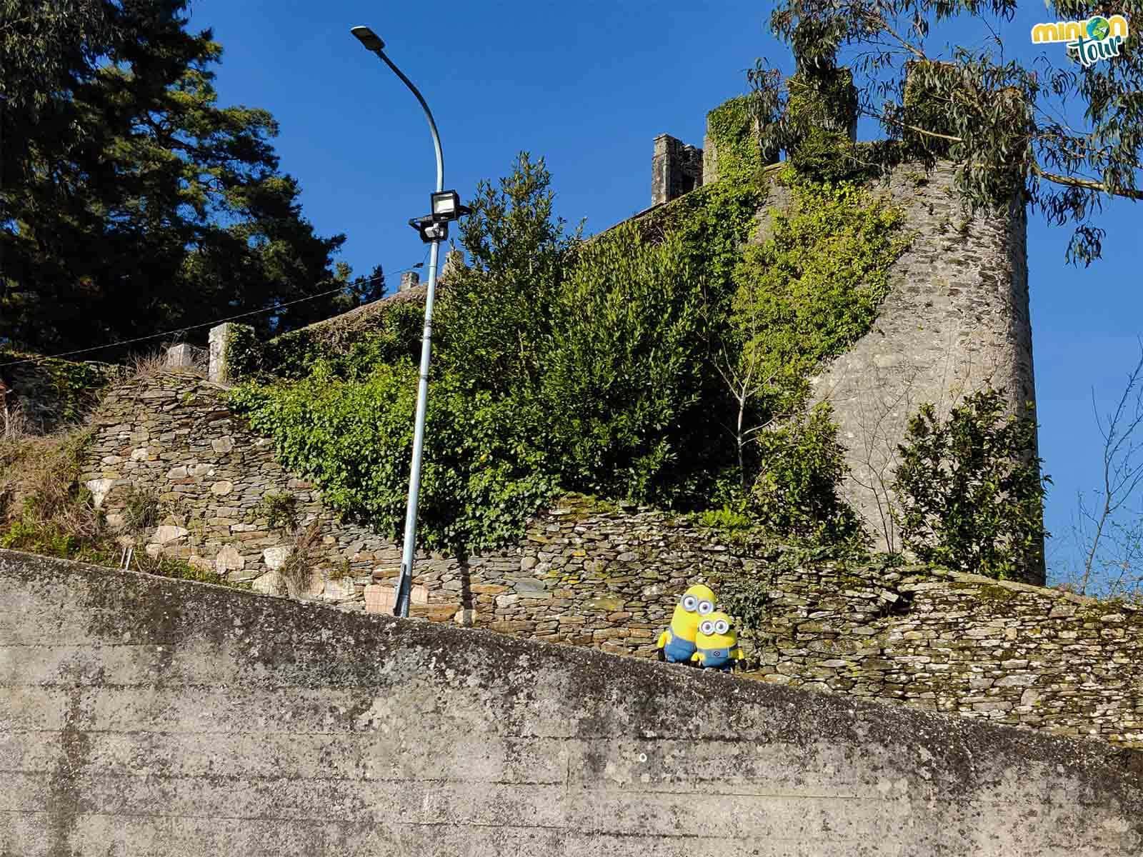 Nos hemos tenido que subir al muro para poder enseñarte la torre