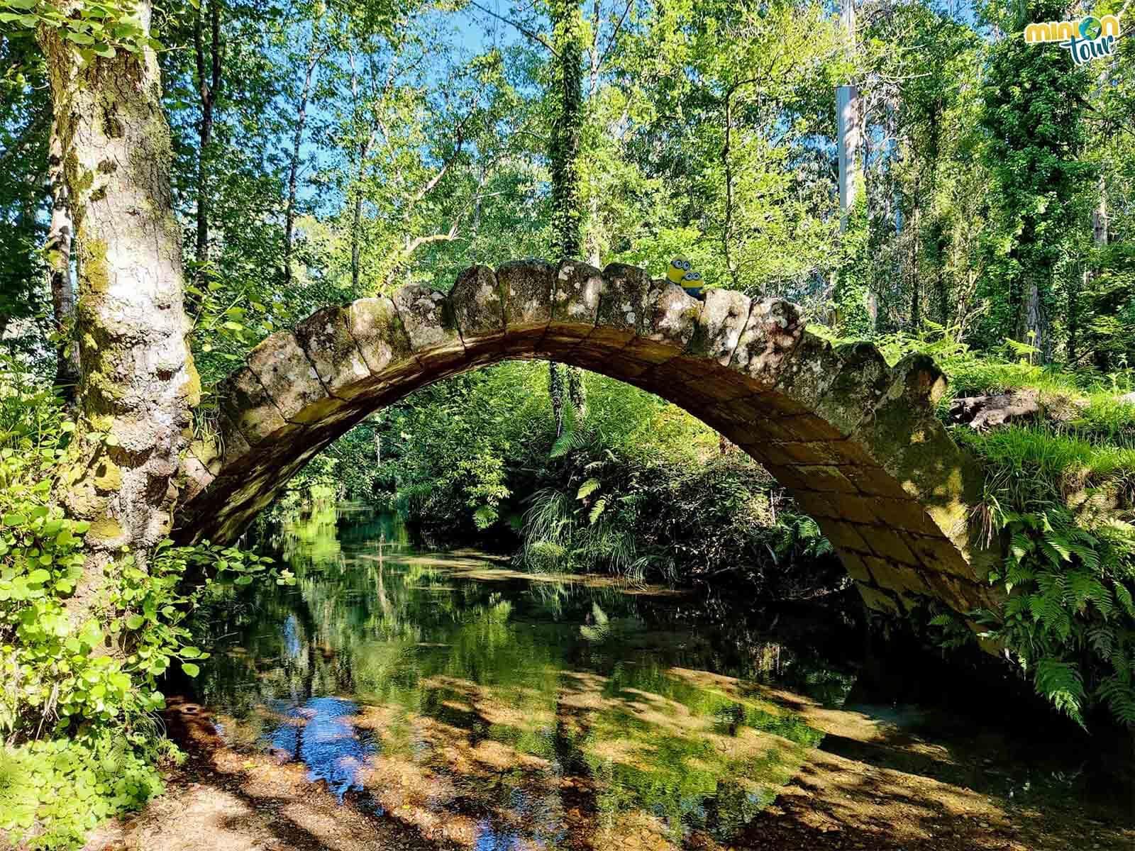 Estamos pasando por el Puente Medieval del río Sieira