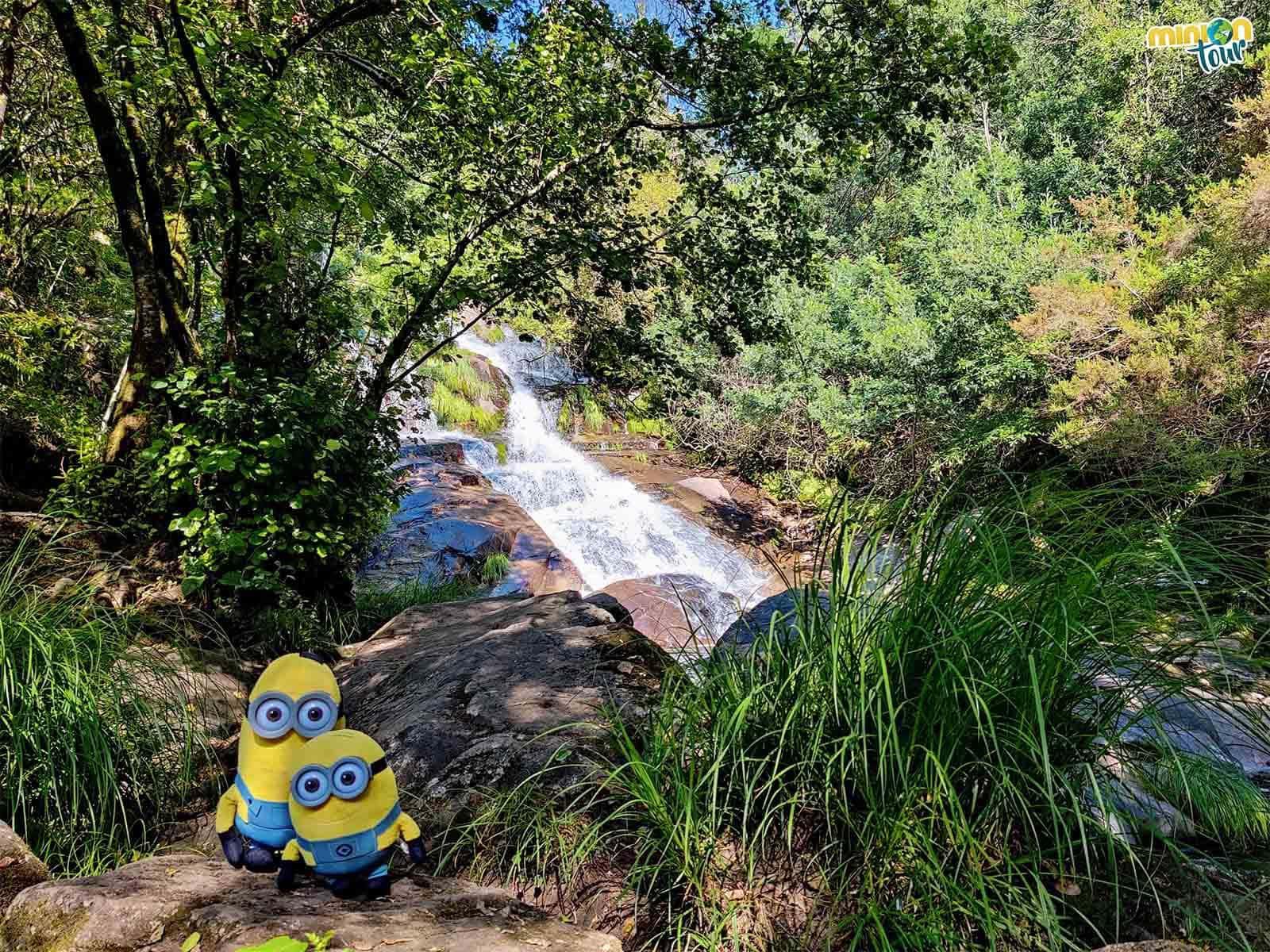 La Cascada de Toxosoutos es una chulada que puedes ver en la Ría de Muros y Noia