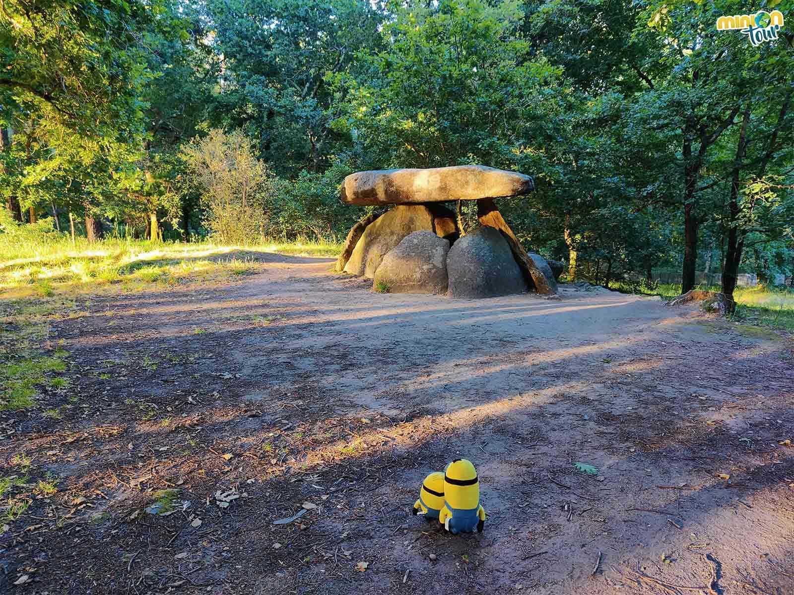 El Dolmen de Axeitos es un sitio interesante que ver en la Ría da Estrela